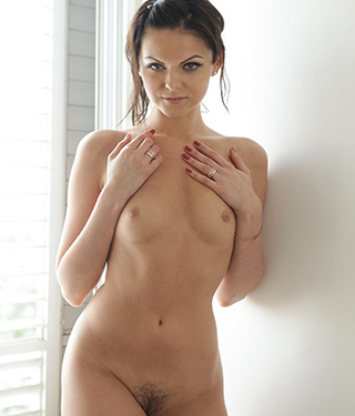Tessa Ray Gets Naked Near The Window - Picture 10