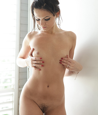Tessa Ray Gets Naked Near The Window - Picture 11