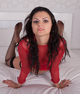 Tessa Ray Spreads Legs Wide Open Pussy Asshole - Picture 11
