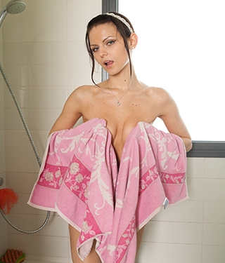 Tessa Ray Shower Time - Picture 13