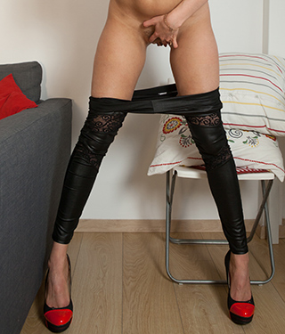Tessa Ray Sexy In Black Leggings Spreads Pussy Asshole - Picture 15